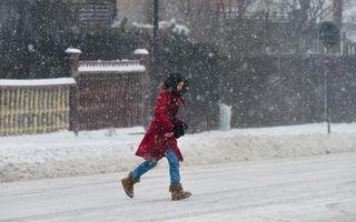 Avertizare meteo de lapoviță și ninsori în aproape toată ţara