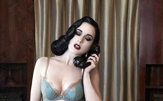 Call girl: Dita Von Teese a lansat o nouă linie de lenjerie intimă