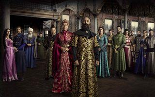 """Tot mai multi romani, interesati de deznodamantul serialului """"Suleyman Magnificul - Sub domnia iubirii"""". Au mai ramas doar patru episoade pana la final"""