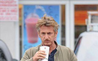 Schimbare de look la 54 de ani: Sean Penn s-a vopsit blond!