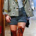 Zece perechi de încălțăminte din colecția Chanel Métiers d'Art 2015
