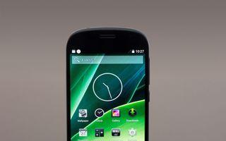 Noul YotaPhone 2 – smartphone-ul cu două ecrane, acum și în România