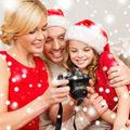 5 trucuri ca să arăţi bine în pozele de familie. Încearcă-le!