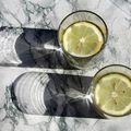 Care sunt beneficiile consumului de apă cu lămâie