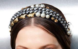 Frumuseţe. 30 de accesorii de păr ideale pentru coafurile de Crăciun