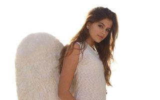 Pe urmele mamei: Fiica supermodelului Cindy Crawford, în rol de înger