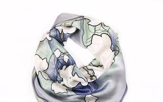 De sărbători, fashion icon look cu noua colecție de eșarfe Snowflakes, by Magnolia Scarves