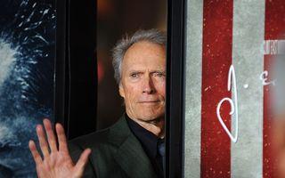 Clint Eastwood a divorţat la 84 de ani
