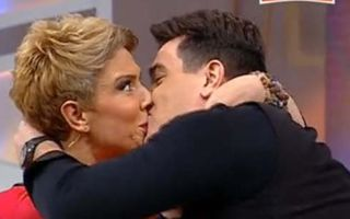 Teo Trandafir, sărutată pe gură în direct