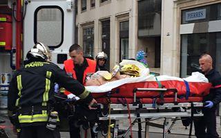 """Atac cu arme automate la sediul unui ziar din Paris: Cel puţin 12 morți: """"Este un veritabil masacru"""""""