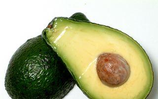 Un fruct de avocado pe zi ajută la scăderea colesterolului rău
