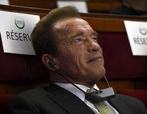Arnold Schwarzenegger s-a abonat la Charlie Hebdo şi îndeamnă oamenii să facă acelaşi lucru
