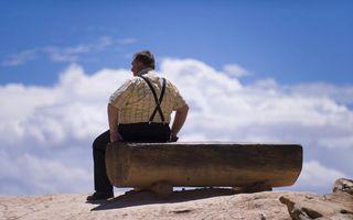 Studiu: Sedentarismul ucide mai mulţi oameni decât obezitatea