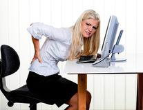 Durerea de spate: Din ce cauză apare şi cum să o previi