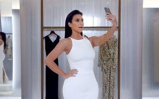 VIDEO: Kim Kardashian te învață cum să-ți faci selfie-ul perfect