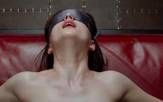 """Nuditate, sex explicit și scena cu tamponul: Ce n-o să vezi în """"Cincizeci de umbre ale lui Grey"""""""