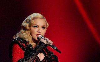 Vampă la 56 de ani: Madonna, spectacol fierbinte cu dansatori sexy