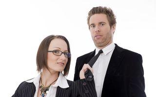 Studiu: Cu cât oamenii au funcţii mai înalte, cu atât sunt mai infideli