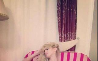 Andreea Bălan, goală pe internet! Ea a şters poza după câteva minute