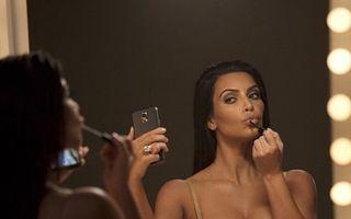 """Kim Kardashian și ritualul ei de frumusețe: """"Mă spăl pe cap o dată la cinci zile"""""""