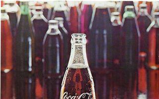 Sticla Contur Coca-Cola aniversează 100 de ani