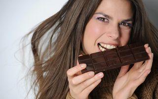 Bărbaţii care oferă ciocolată unei femei au 41% şanse să o cucerească