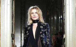 Frumusețe fără vârstă: Eva Herzigova, fabuloasă pe podium la 41 de ani