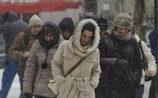 Iarna nu se lasă: Cod galben de ninsori în aproape toată ţara