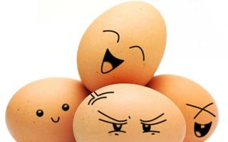VIDEO: Cum să faci omletă într-un ou fiert fără să-l spargi