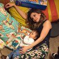 Dana Rogoz e somnambulă: Se plimbă noaptea în jurul patului