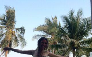 Adela Popescu, fotografii deşucheate la piscină
