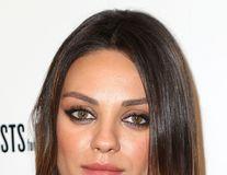 Mila Kunis a confirmat căsătoria cu Ashton Kutcher