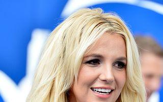 Britney Spears se întoarce la şcoală