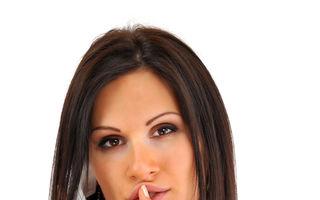 Sex la telefon. 8 trucuri ca să-ţi satisfaci iubitul chiar dacă nu e lângă tine
