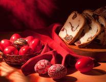 Studiu. De Paşte, românii consumă de cinci ori mai multe produse tradiţionale decât de obicei