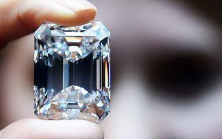"Un diamant ""perfect"", vândut la New York cu 22 de milioane de dolari"