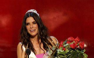 Superbă și modestă: Sandra Bullock, șocată că e cea mai frumoasă femeie din lume