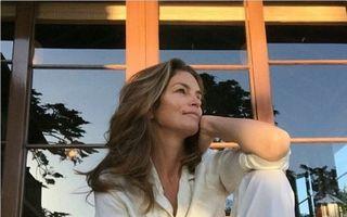 Frumusețe la 49 de ani: Cum arată Cindy Crawford dimineața, în pijamale și fără machiaj