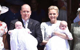 Prinţul Albert al II-lea şi-a botezat gemenii