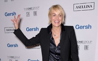 Sharon Stone, într-o formă de zile mari: Are 57 de ani, arată de 37!