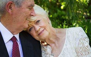 Ultima nuntă, ultima dragoste. Ceremonii emoţionante cu miri în vârstă!