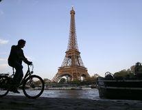 Sondaj: Franceza este cea mai sexy limbă din lume