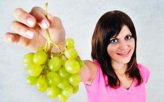 Președintele Societății Române de Diabet: Fructele și legumele se mănâncă, nu se beau