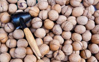 Nucile şi seminţele, mâncate după-amiaza, combat obezitatea