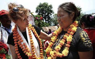 Susan Sarandon, voluntar la 68 de ani: Actrița își vindecă suferința în dragoste ajutându-i pe sinistrați