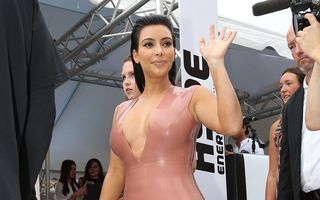 Frica păzeşte sarcina: Kim Kardashian şi-a angajat nutriţionist şi renunţă la gogoşi