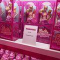 Se schimbă moda păpuşilor: Barbie nu mai poartă pantofi cu toc