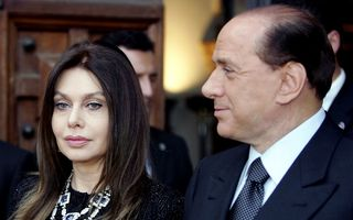 Fosta soţie a lui Berlusconi va primi 1,4 milioane de euro pe lună