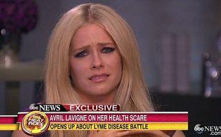 Calvarul unei vedete: Avril Lavigne luptă cu boala Lyme, după ce a fost muşcată de o căpuşă