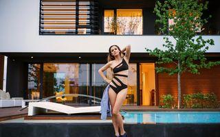 Dana Rogoz, provocatoare într-un costum de baie sexy - FOTO